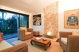 Igloo Wall Mounted Fireplace - In-Situ Image by EcoSmart Fire